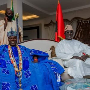 Oba Oyelude Makama and the Chief of Army Staff